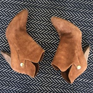 Belle by Sigerson Morrison Tan Suede Booties, 6.5